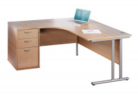 Maestro 25 SL right hand ergonomic desk 1600mm with silver cantilever frame and desk high pedestal - beech